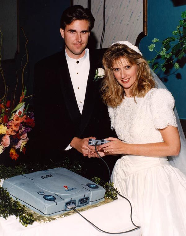the playstation wedding cake